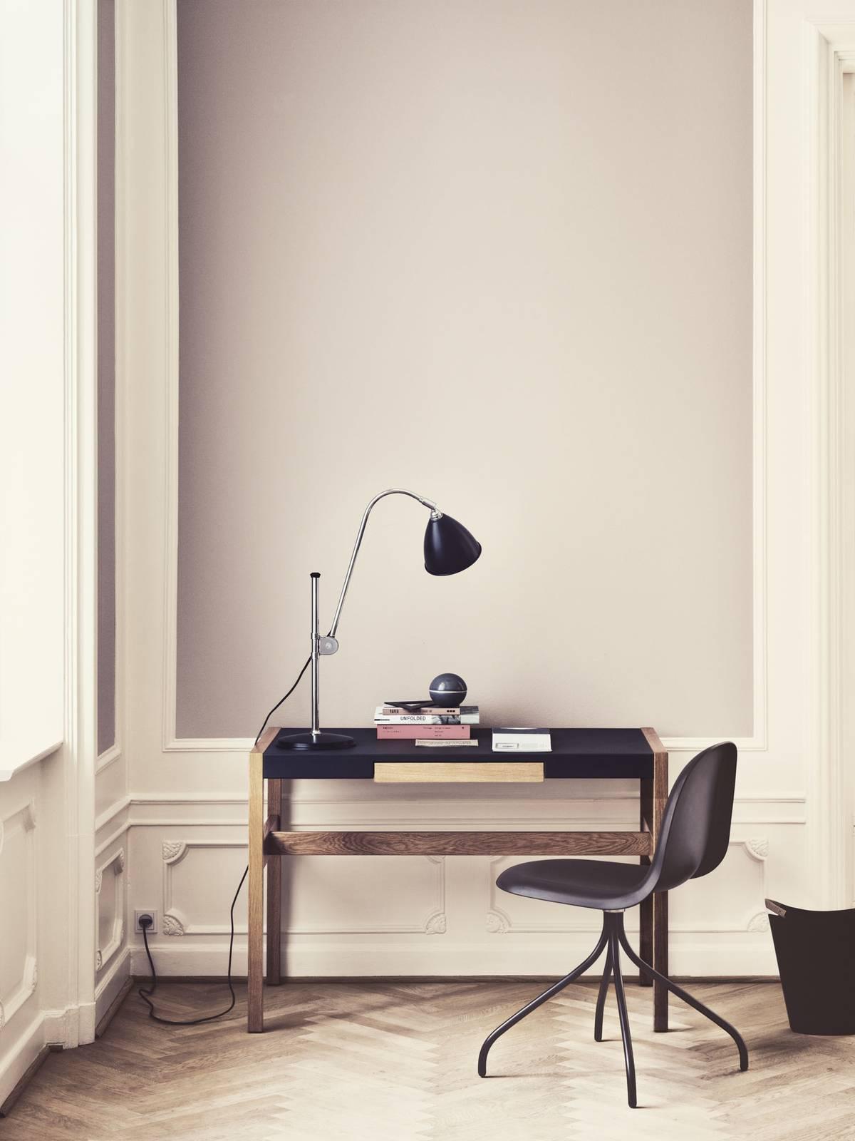 GUBI Bestlite BL1 tafellamp chroom/zwart