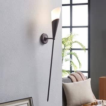 Rostbrun väggfackla Estelle