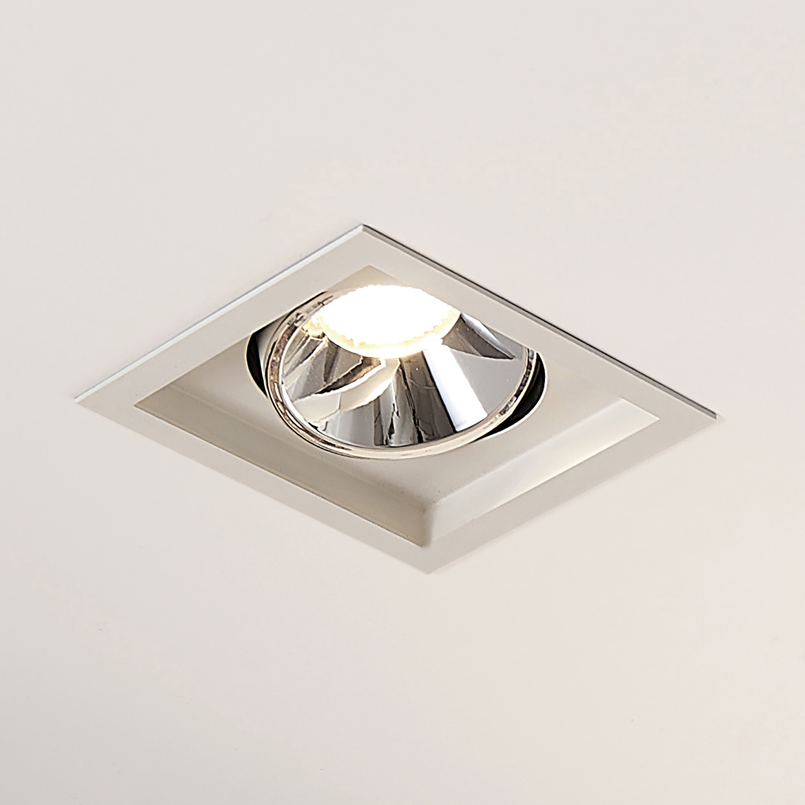 Arcchio Frode downlight LED angolare, 3.000K 25,2W