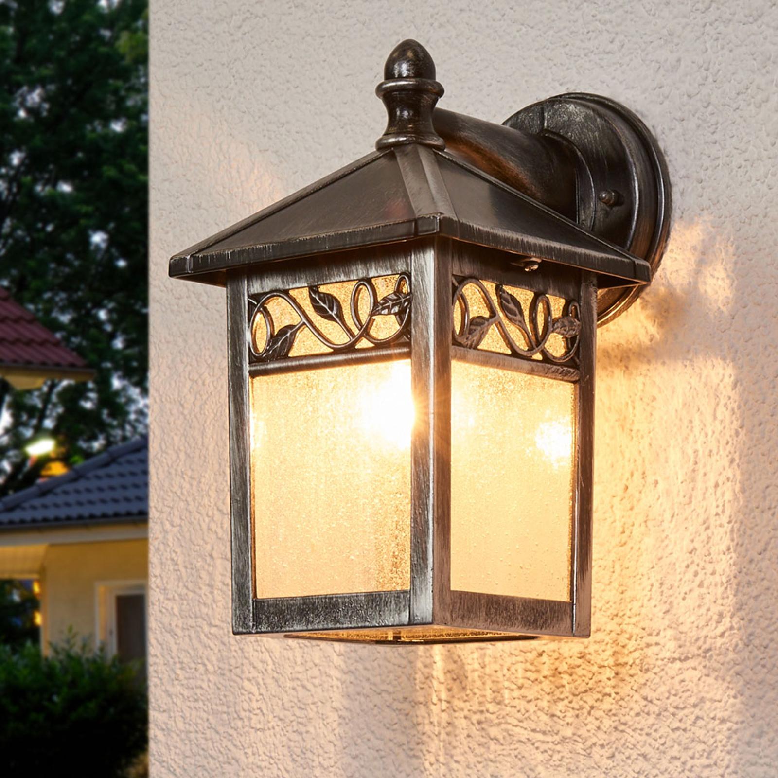 Elegancka zewnętrzna lampa ścienna WINCHCOMBE