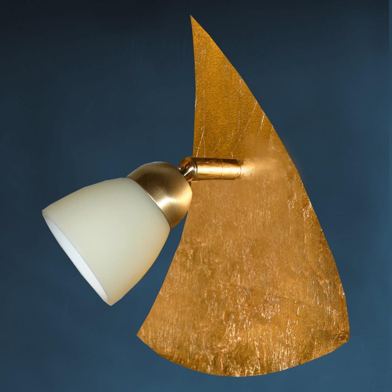 Forgyldt væglampe ELEGANCE i trekantet form