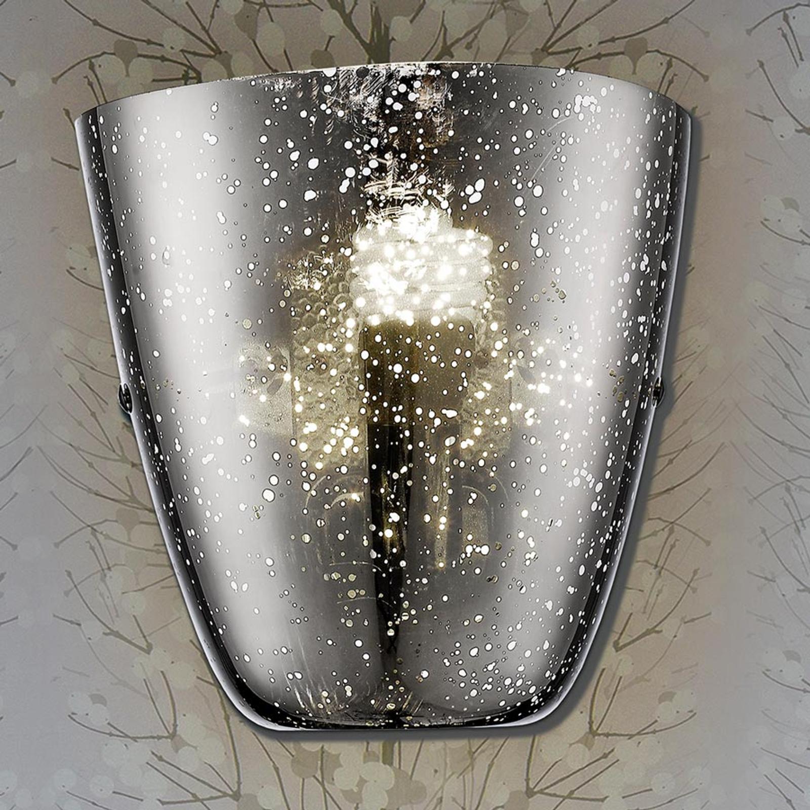 Wandlamp Rasqua met zilverachtige glazen kap