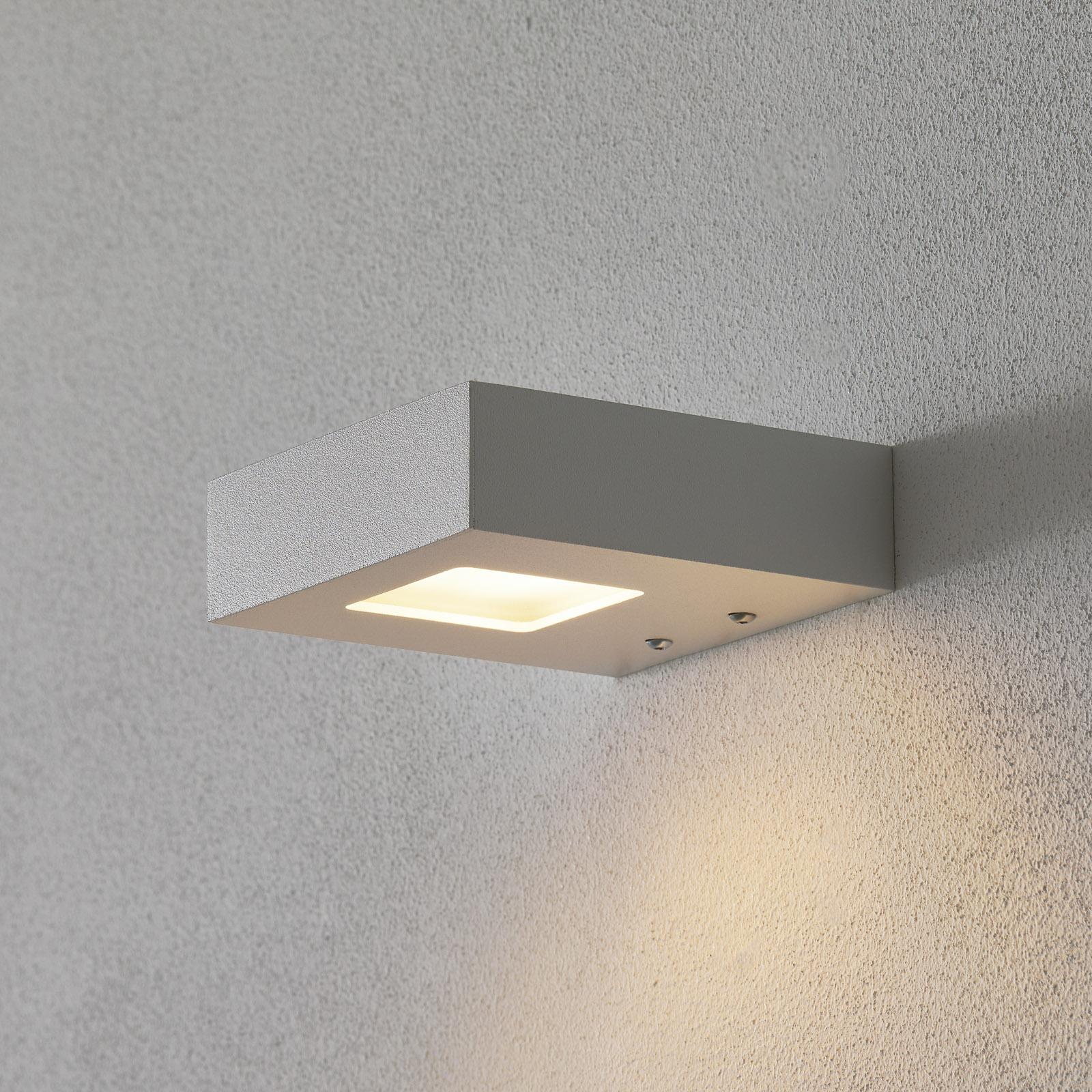 Hvit LED-uplight Cubus for vegg
