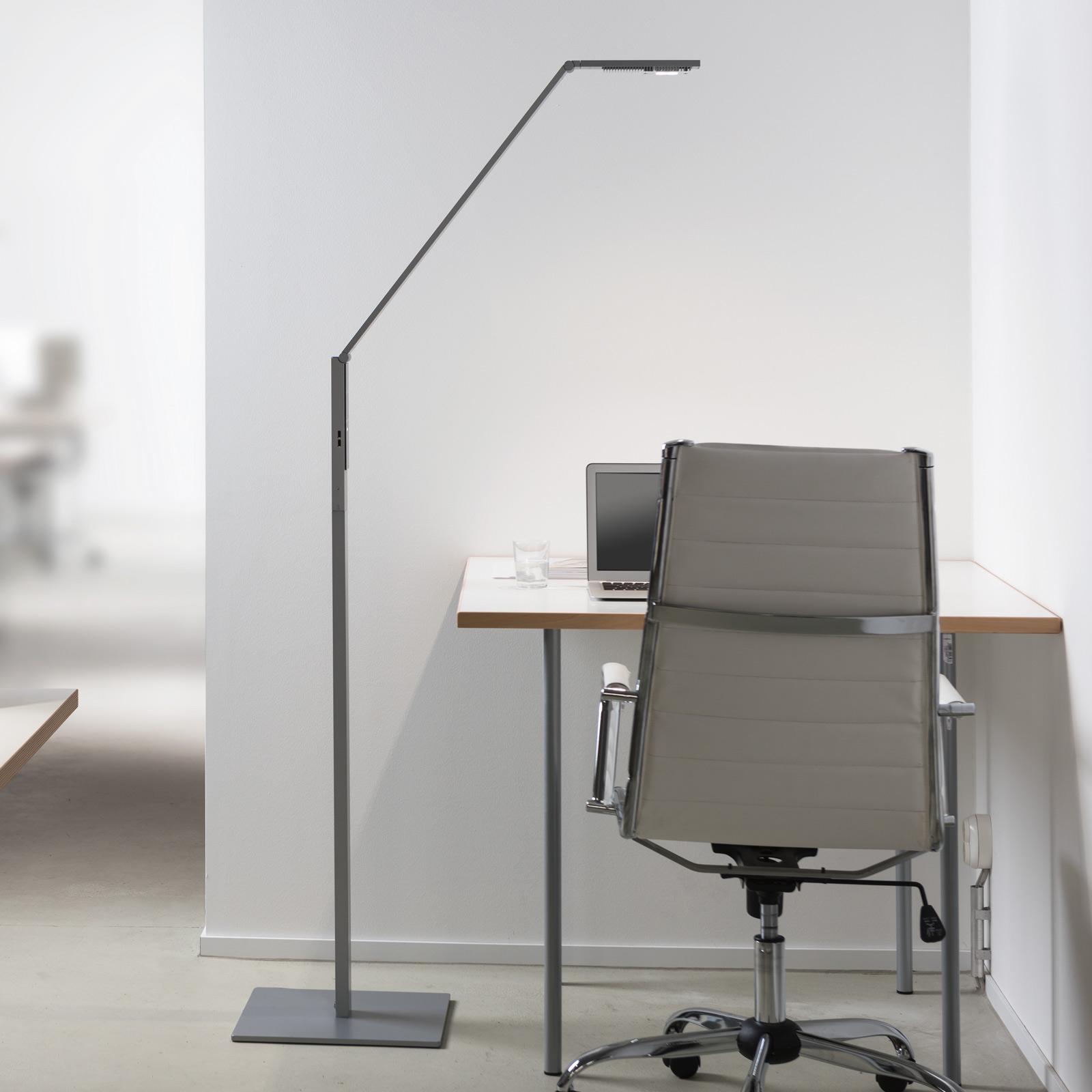 Luctra Floor Linear LED-gulvlampe aluminium