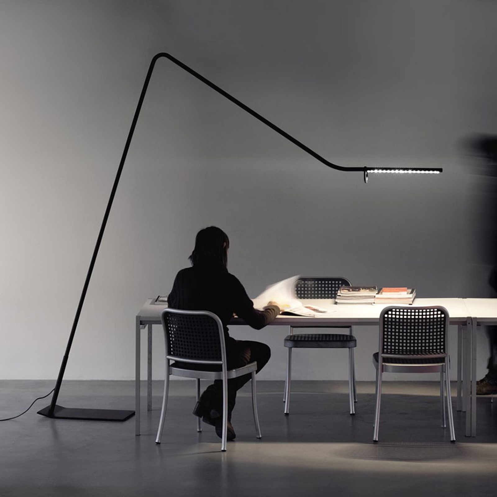 Martinelli Luce Colibrì LED-Bogen-Stehleuchte