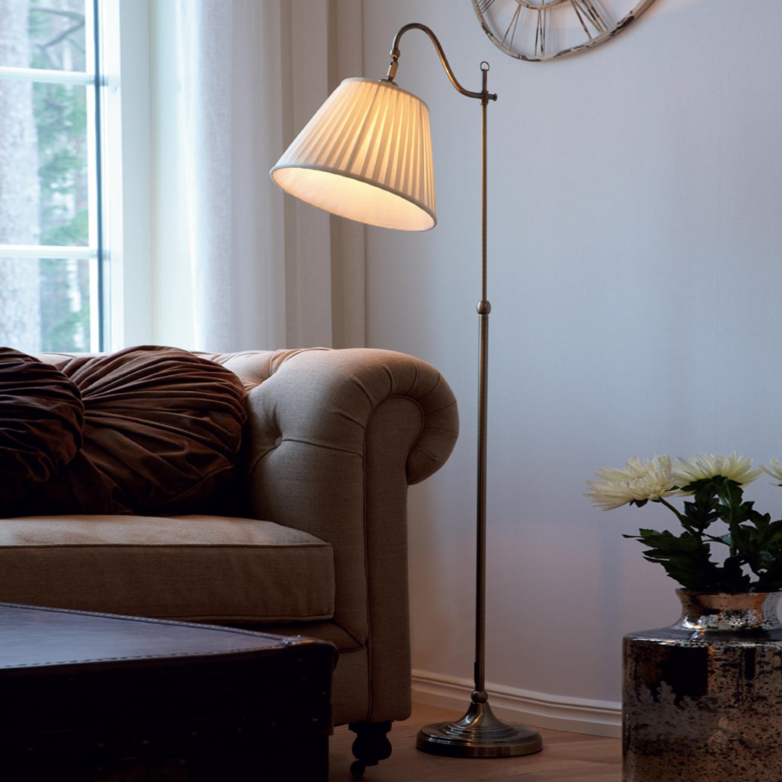 Lámpara de pie Charleston de latón envejecido