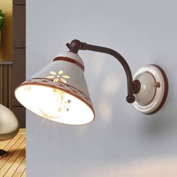 Lámpara de pared Annabell, cerámica, foco orient.