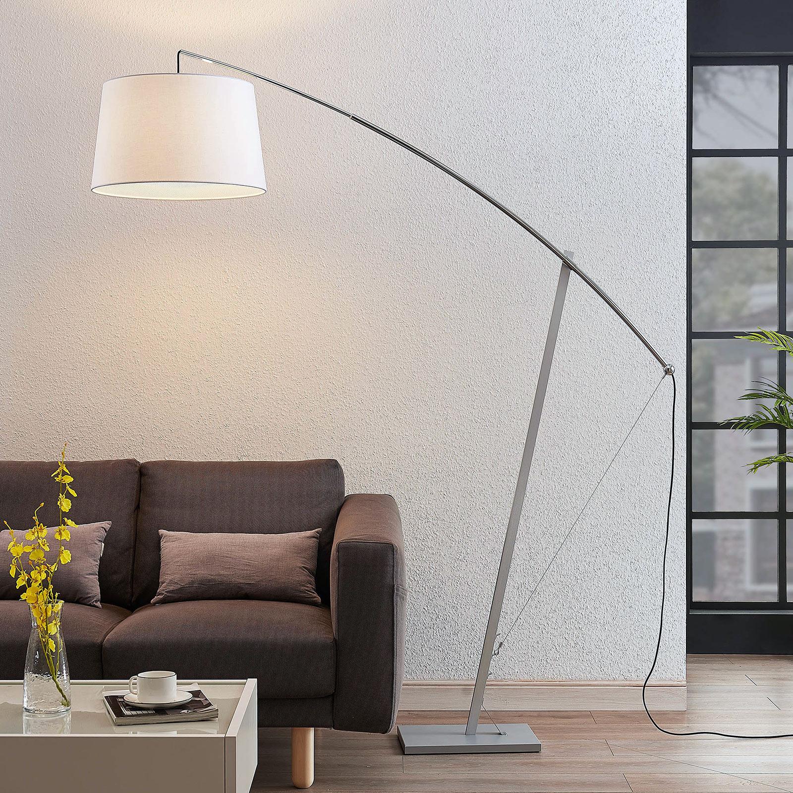 Łukowa lampa stojąca Nevika, biały klosz tekstylny