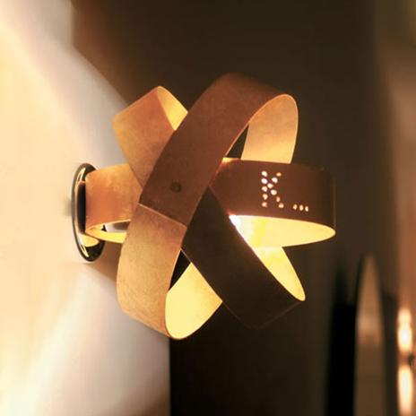 Nowoczesny kinkiet LED Ecliptika w kolorze złotym