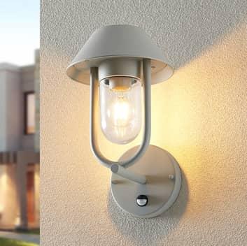 Lucande Olinum utendørs vegglampe, sensor, sølvgrå