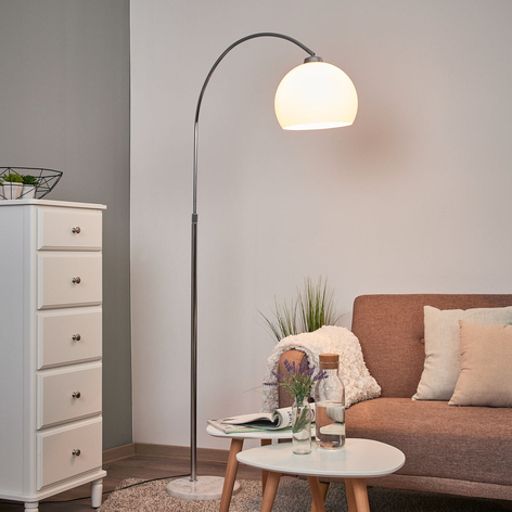 Oblúková lampa Sveri mramor biele tienidlo
