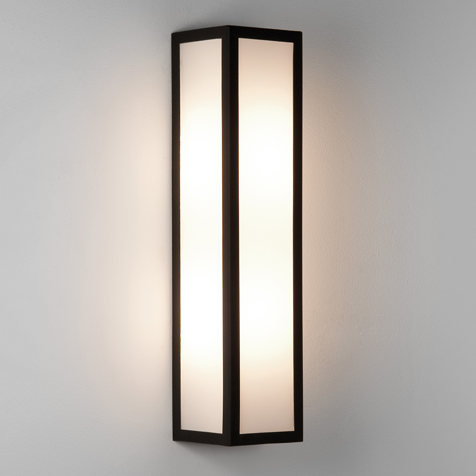 Salerno Outside Wall Light with White Glass_1020336_1