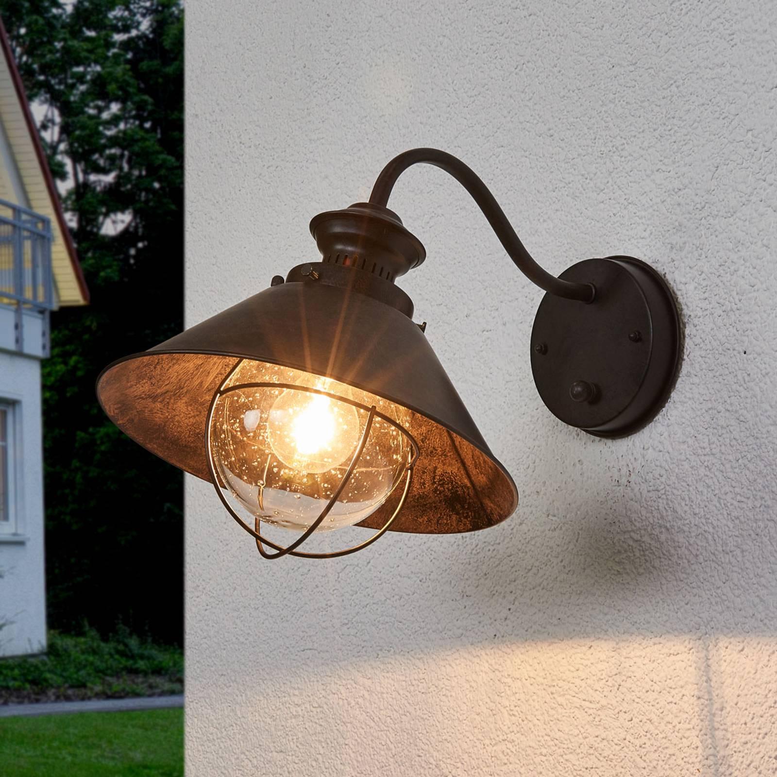Rustykalna zewnętrzna lampa ścienna Nautica