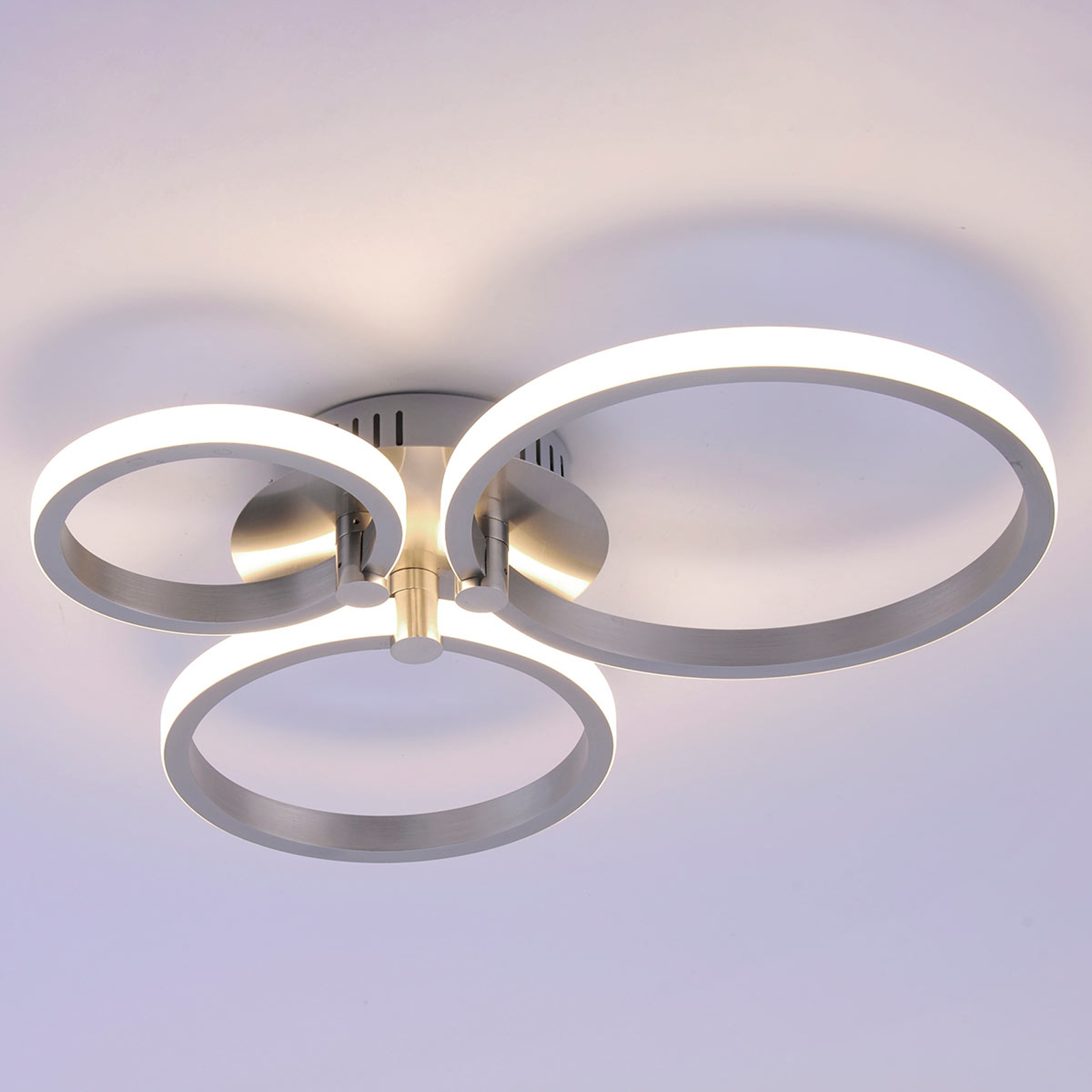 Bardzo nowoczesna lampa sufitowa LED Johanna