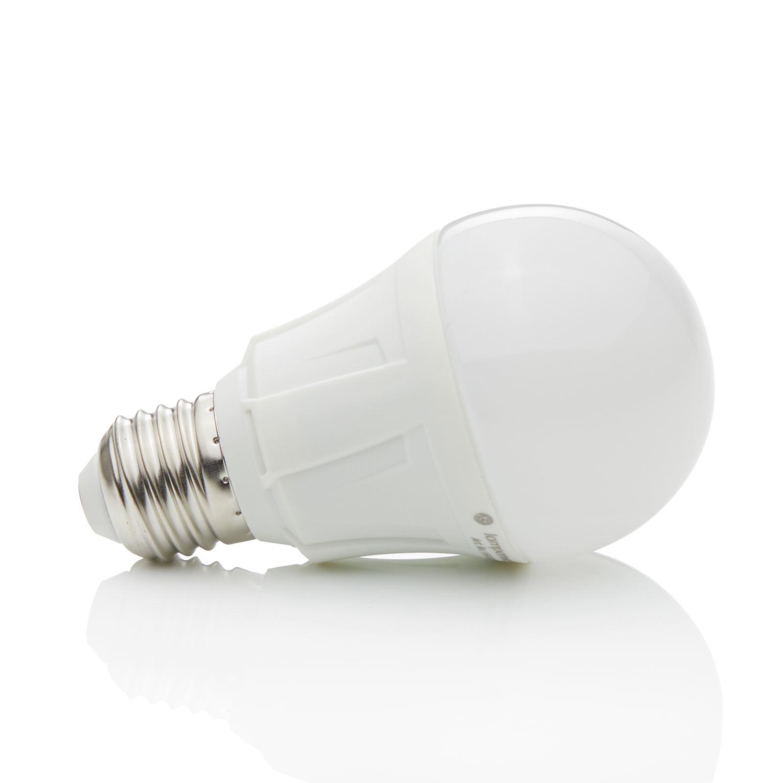 E27 11 W 830 LED-pære i glødepæreform, varmhvid