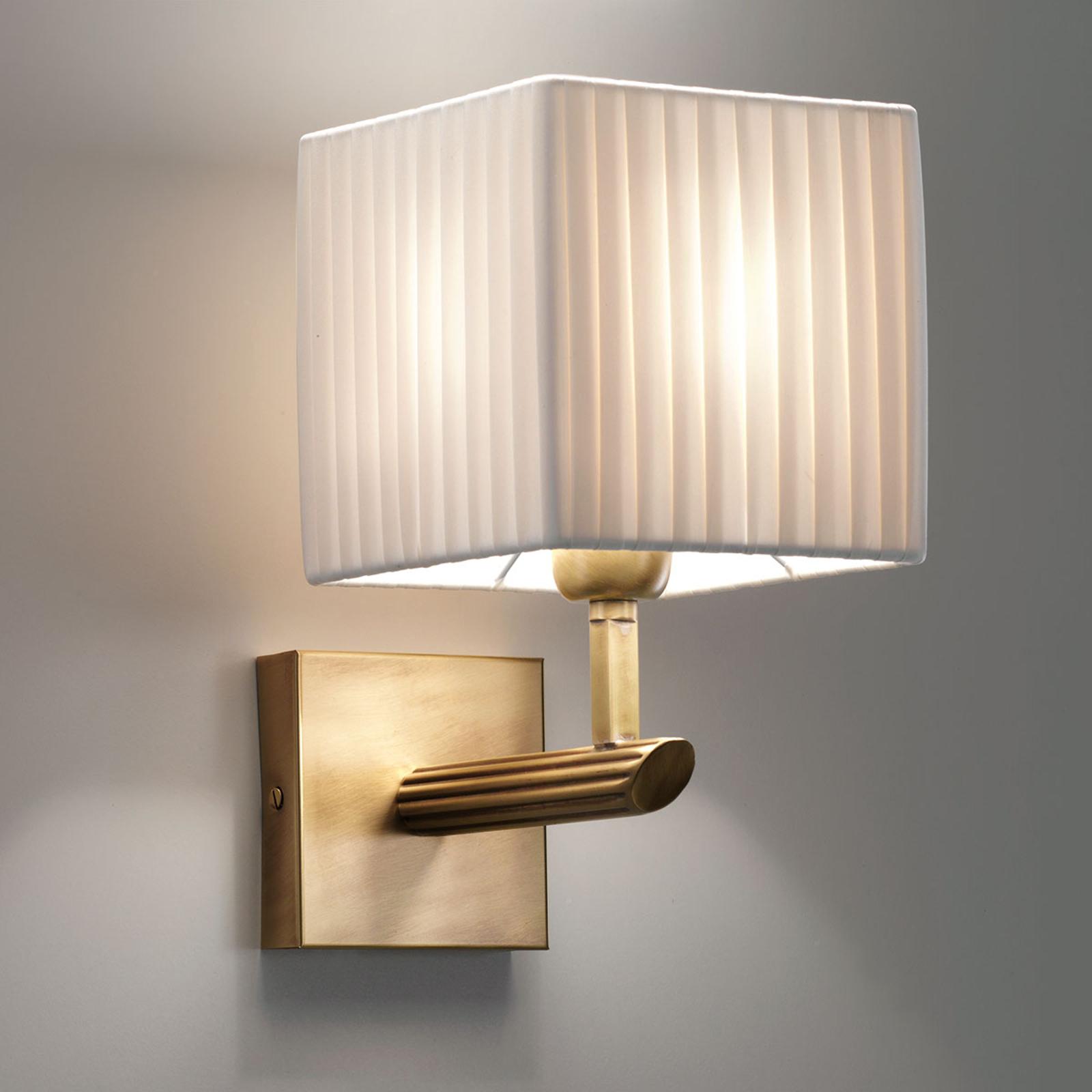 Ciepłe światło dzięki lampie ściennej Imperial