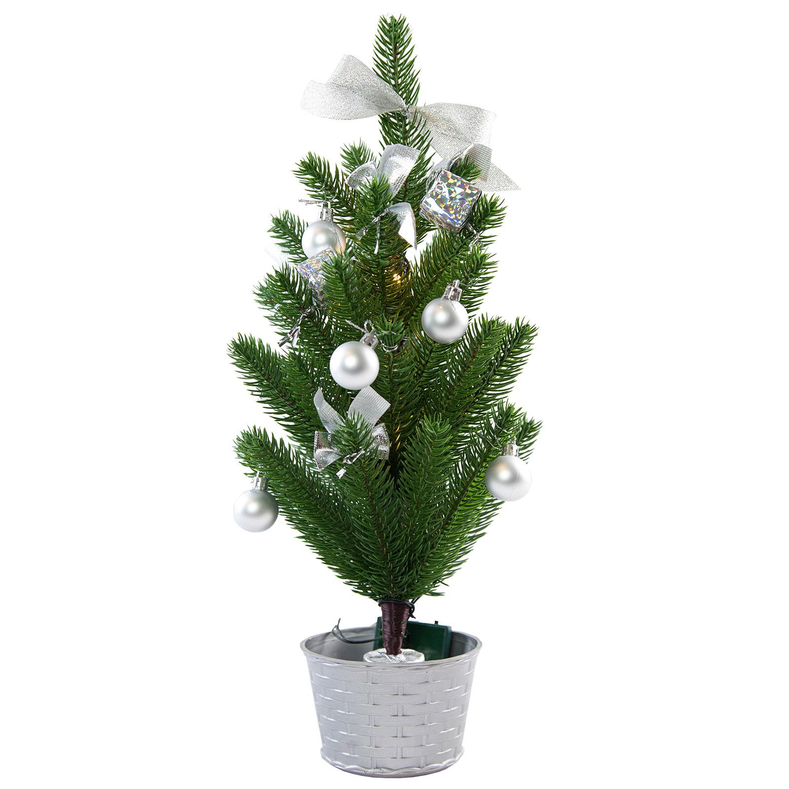 LED-juletre med sølvfarget dekorasjon