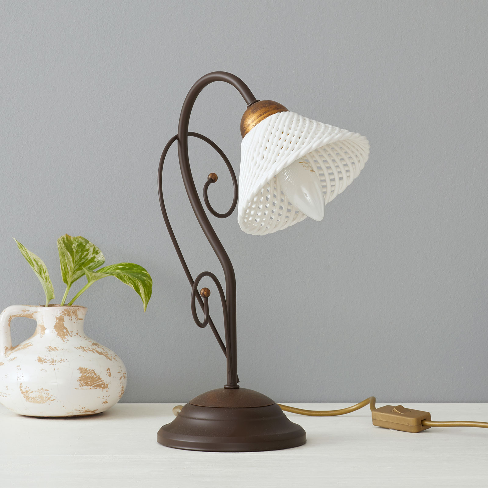 Fraaie tafellamp RETINA