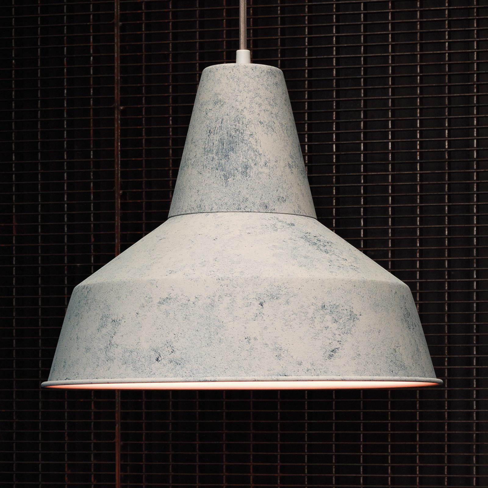 Z szerokim kloszem – lampa wisząca Berenice