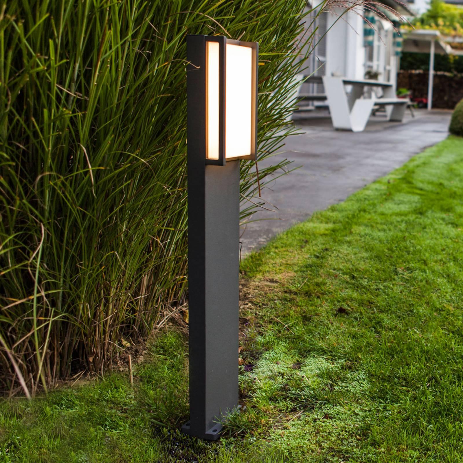 Qubo, słupek ogrodowy LED w prostoliniowej formie