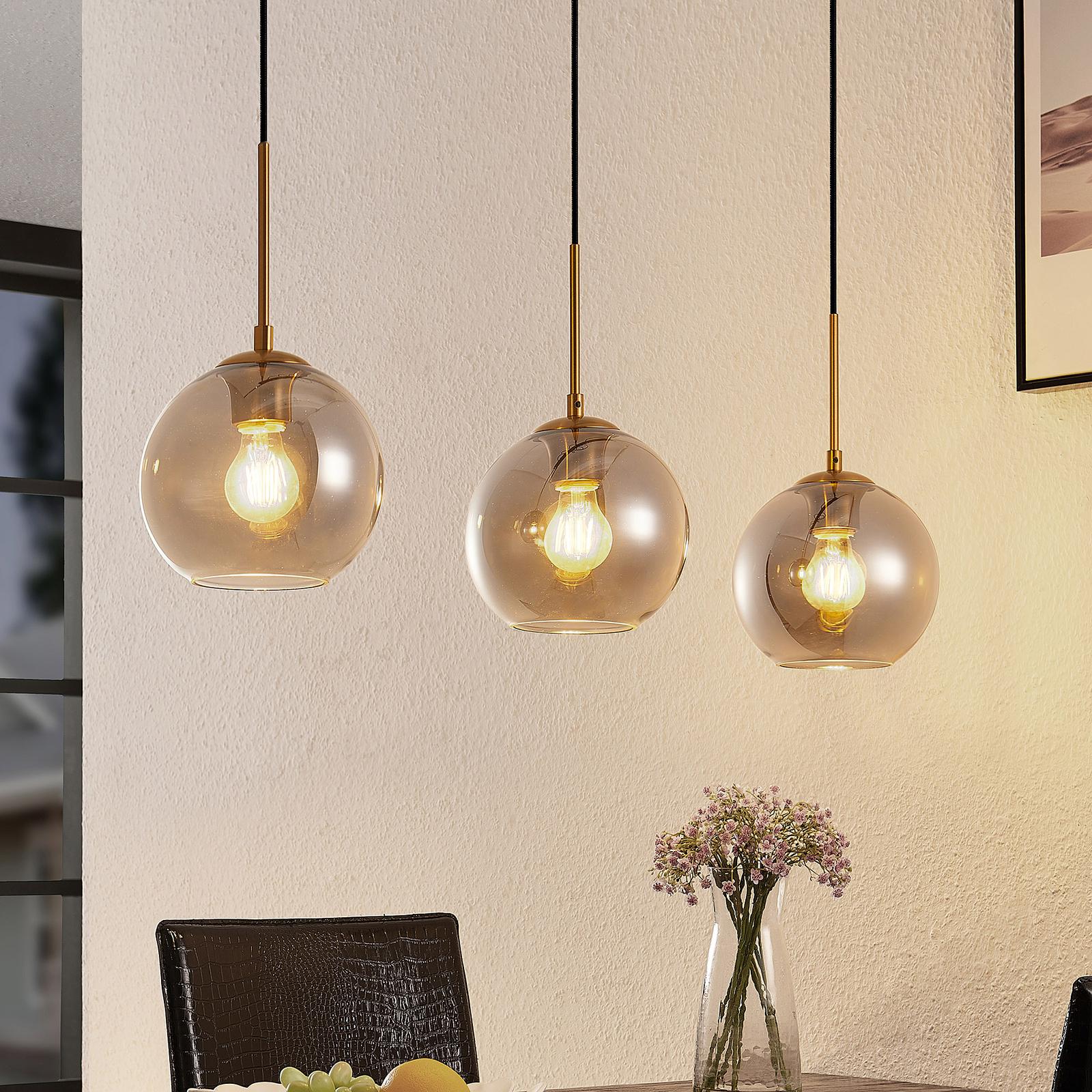 Lindby Hiwana hængelampe, 3 røgglaskugler