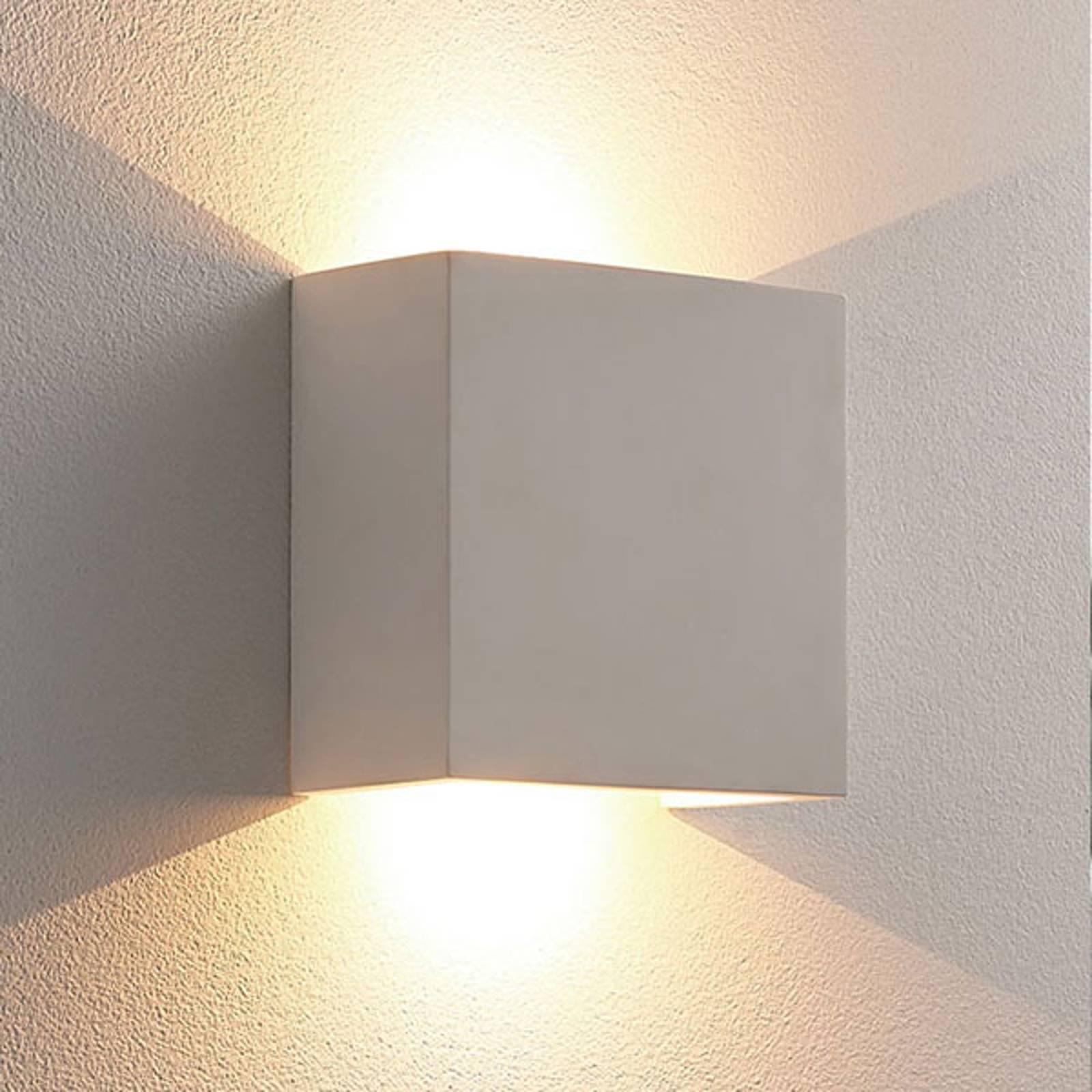 Anneke - hoekige LED wandlamp van gips