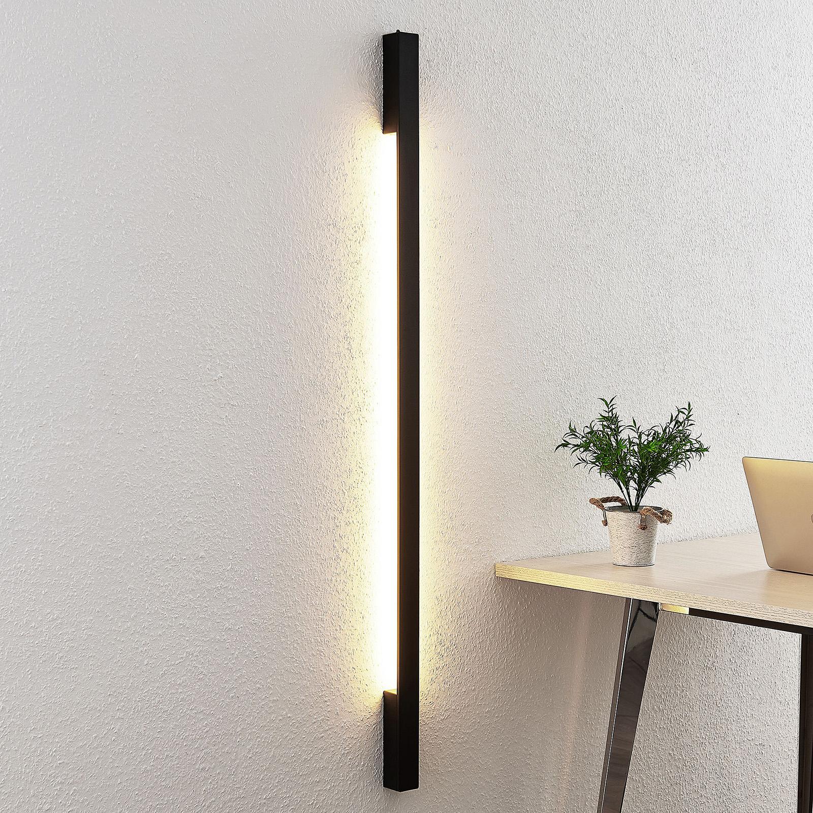 Arcchio Ivano LED-vegglampe, 130 cm, svart