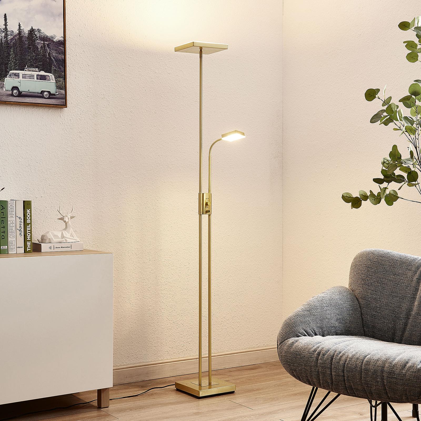 Lindby Seppa lampa stojąca LED, kątowa, mosiądz