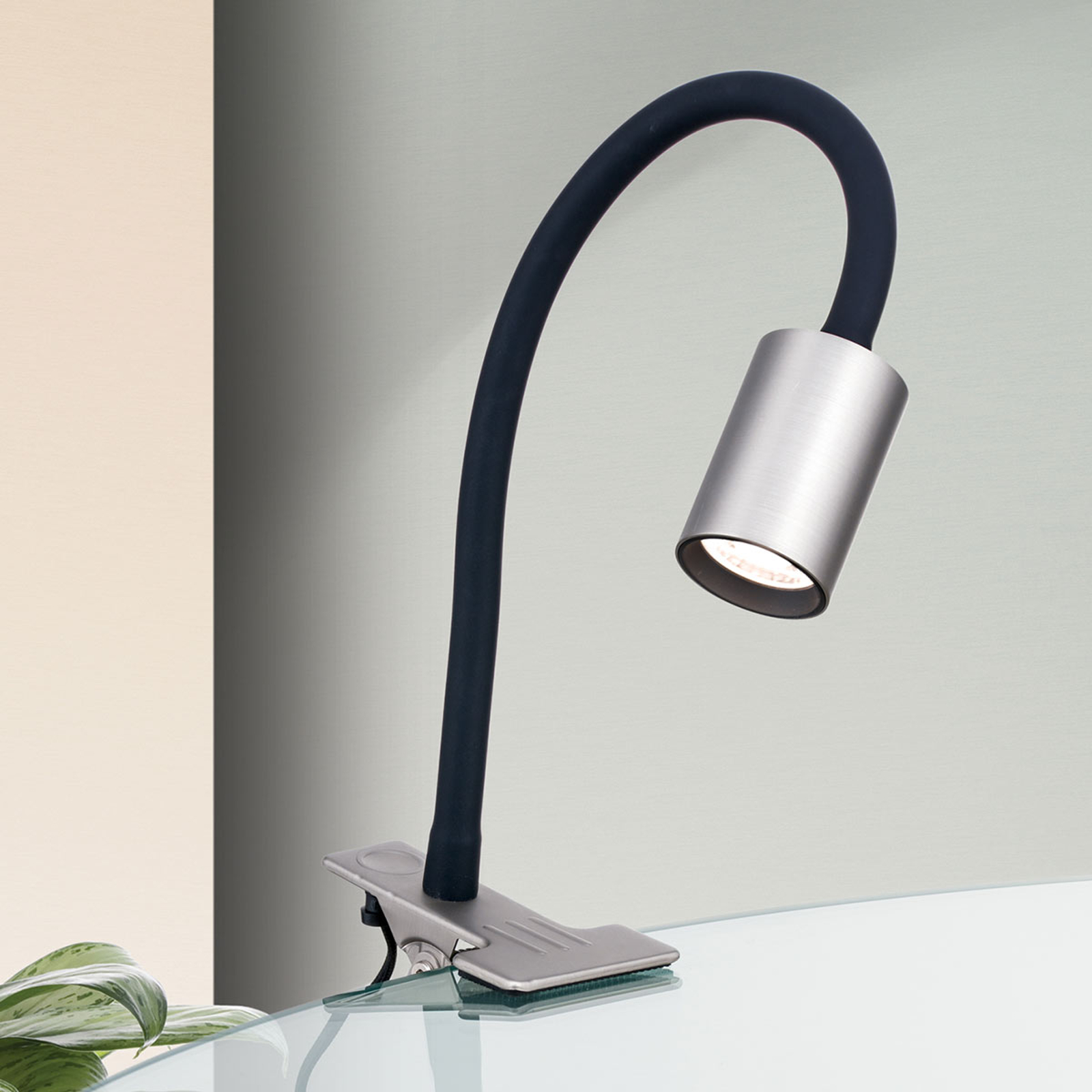 LED klemlamp Kurt nikkel-mat