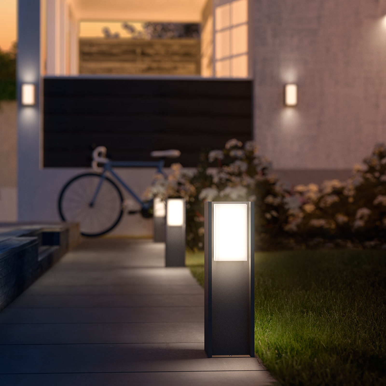 Philips Hue White Turaco LED-Sockellampe steuerbar
