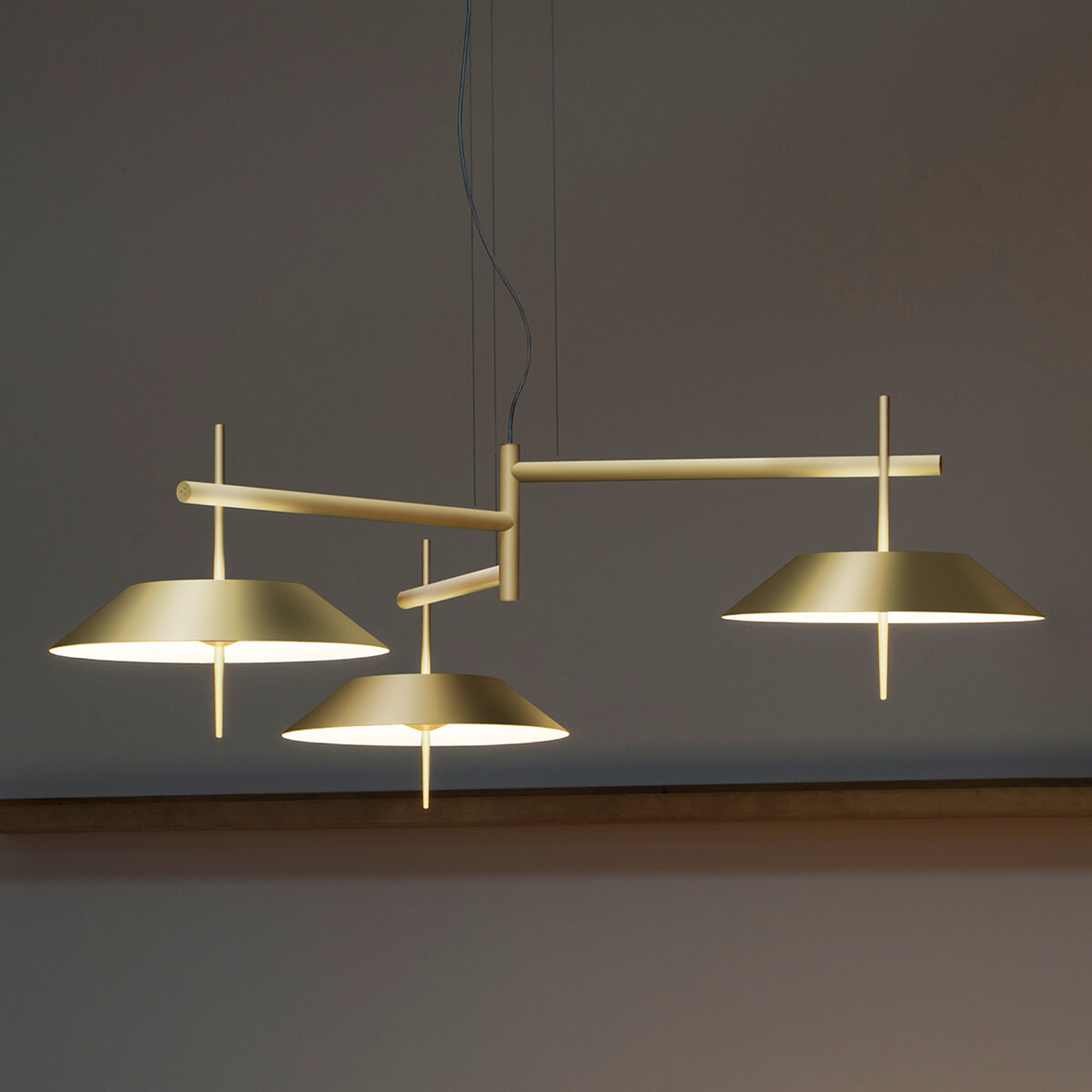 Vibia Mayfair - LED-Pendellampe, 3-fl., gold