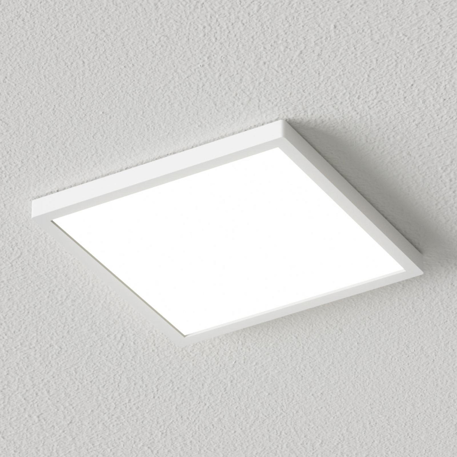 Hvit, firkantet LED-taklampe Solvie