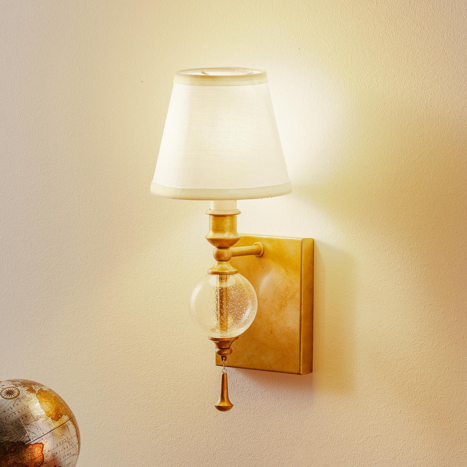 Argento - vegglampe med vakkert lys.