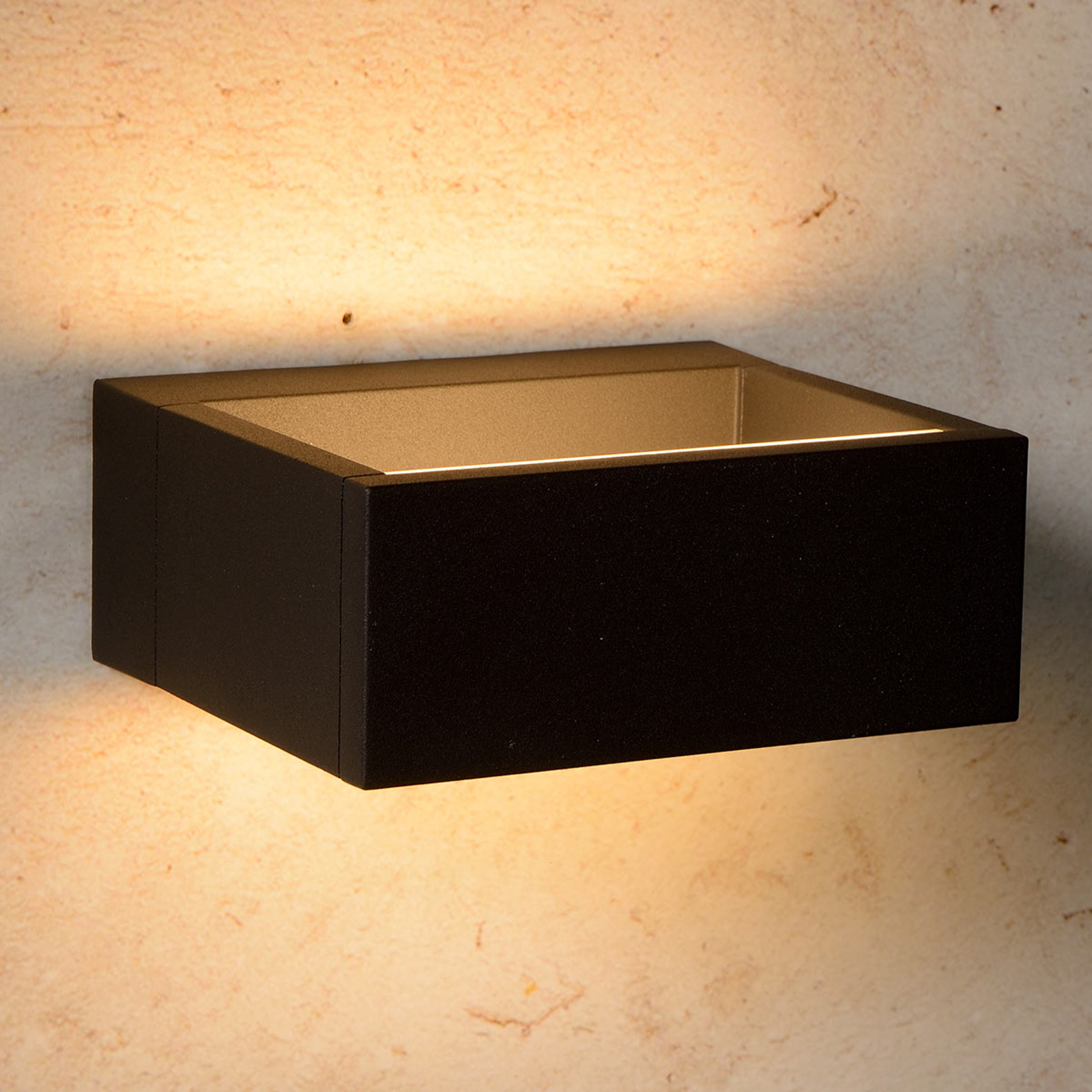 Goa - kantige LED-Außenwandleuchte in Schwarz