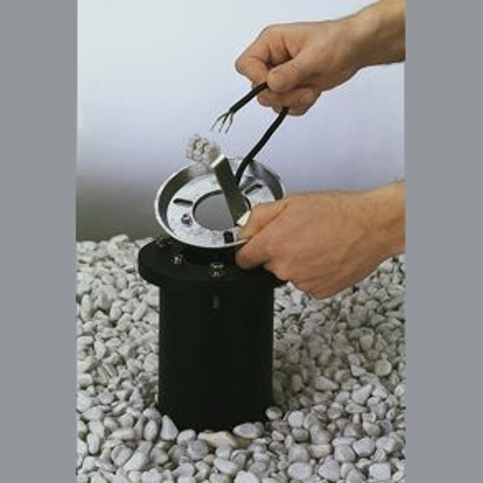 Erdeinbausockel aus Aluminiumguss Einbautiefe 40cm