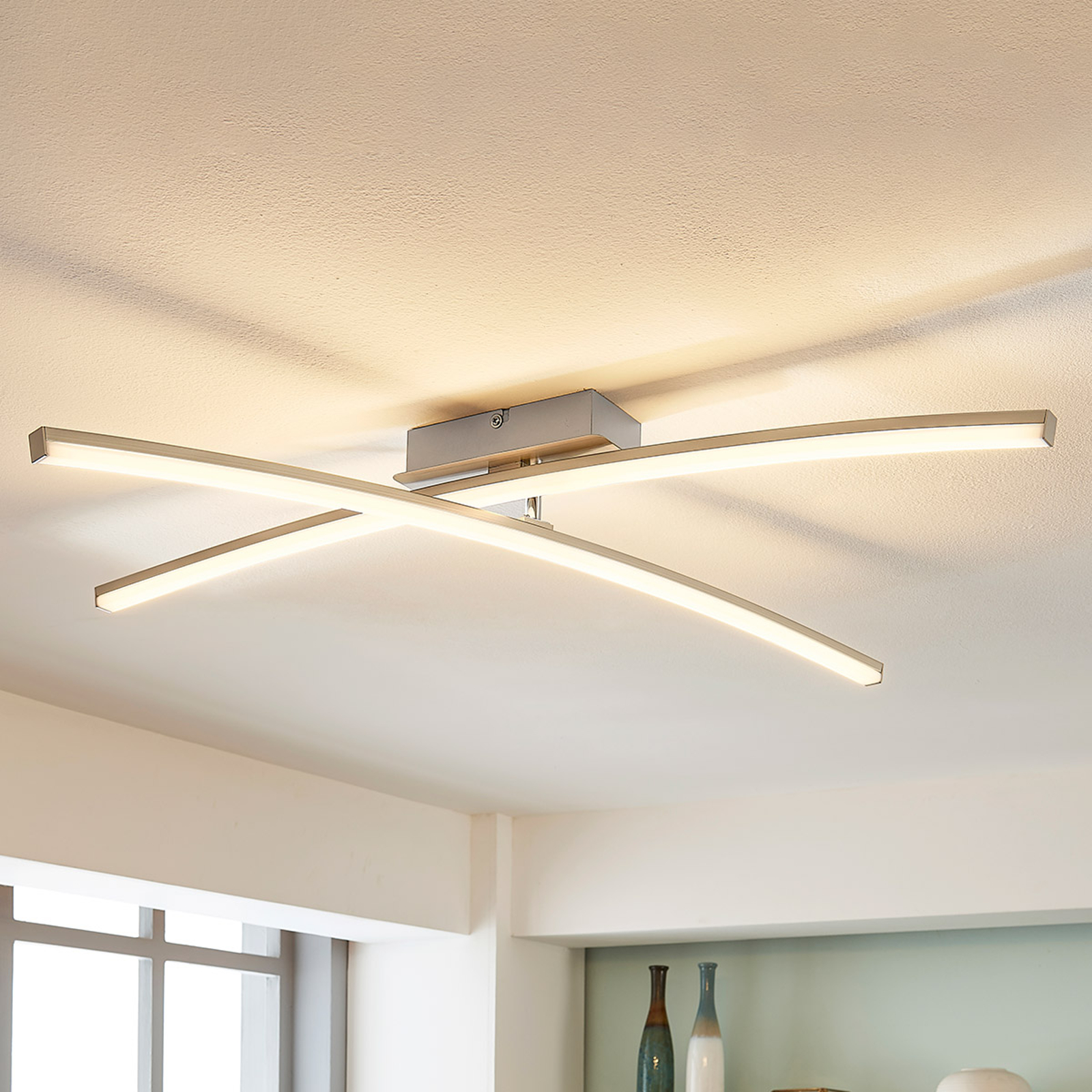 Laurenzia - dimbar LED-taklampe i krom