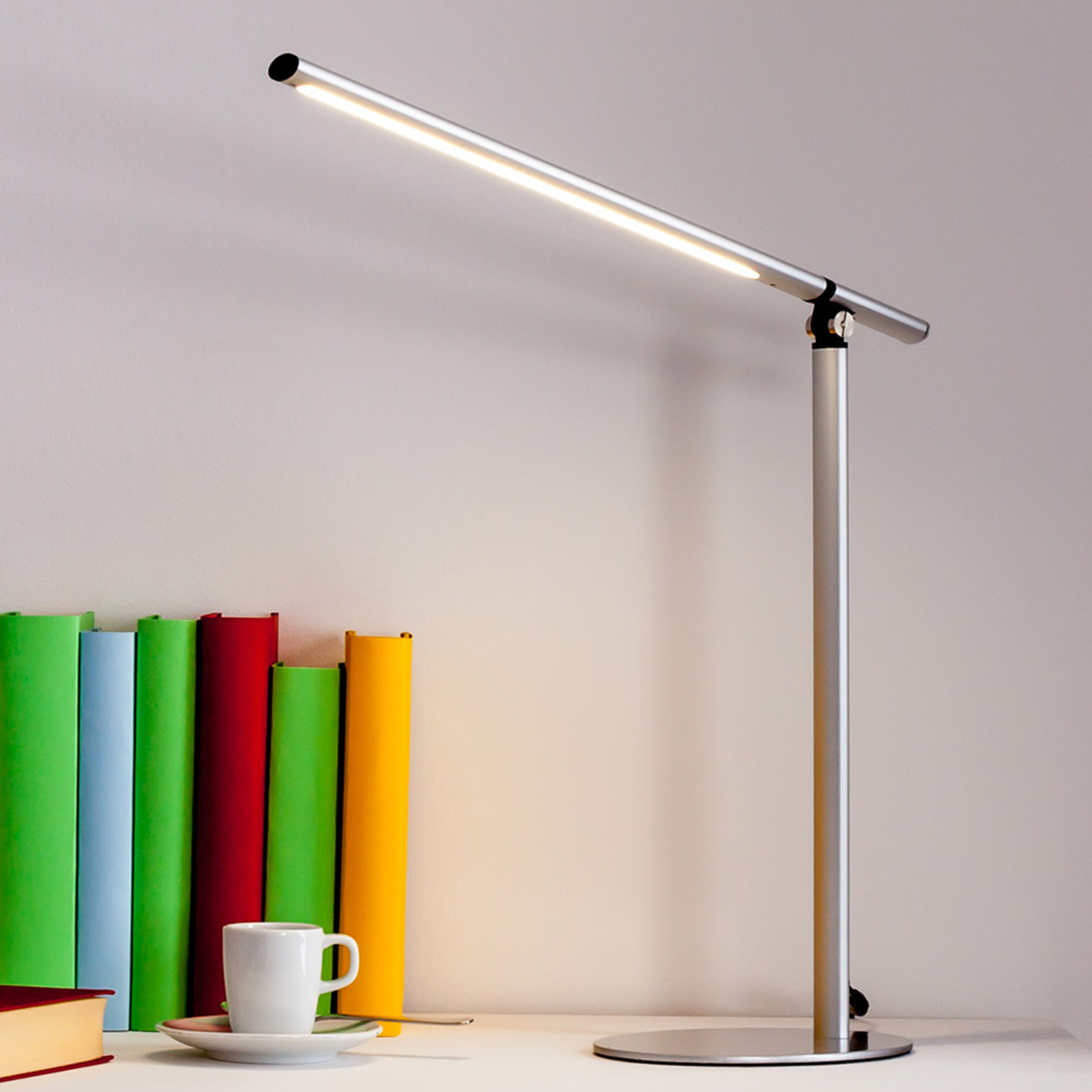LED stolní lampa Kolja, stříbrná šedá