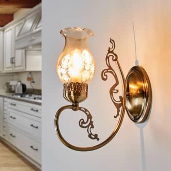 Væglampe Heti med glasskærm og antikt udseende