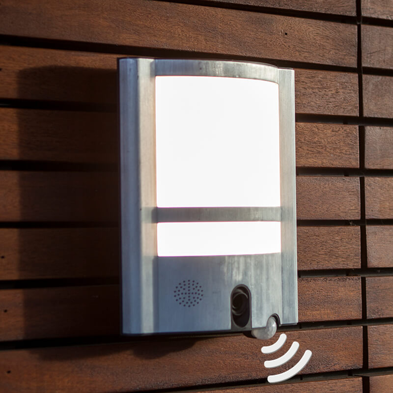 Vesta Cam outdoor wall light with sensor & camera_3006505_1