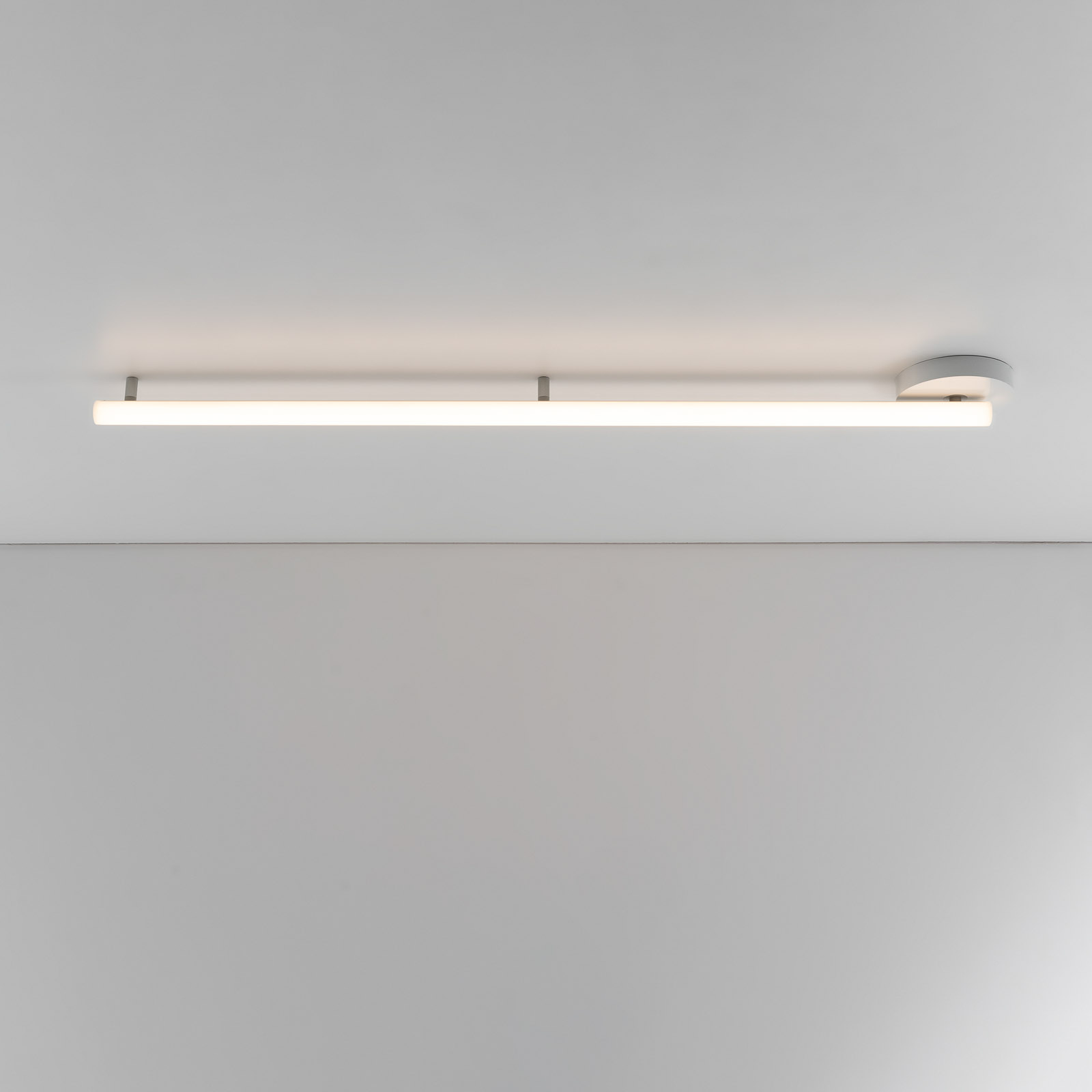 Artemide Alphabet of light lineær, loft, 120 cm