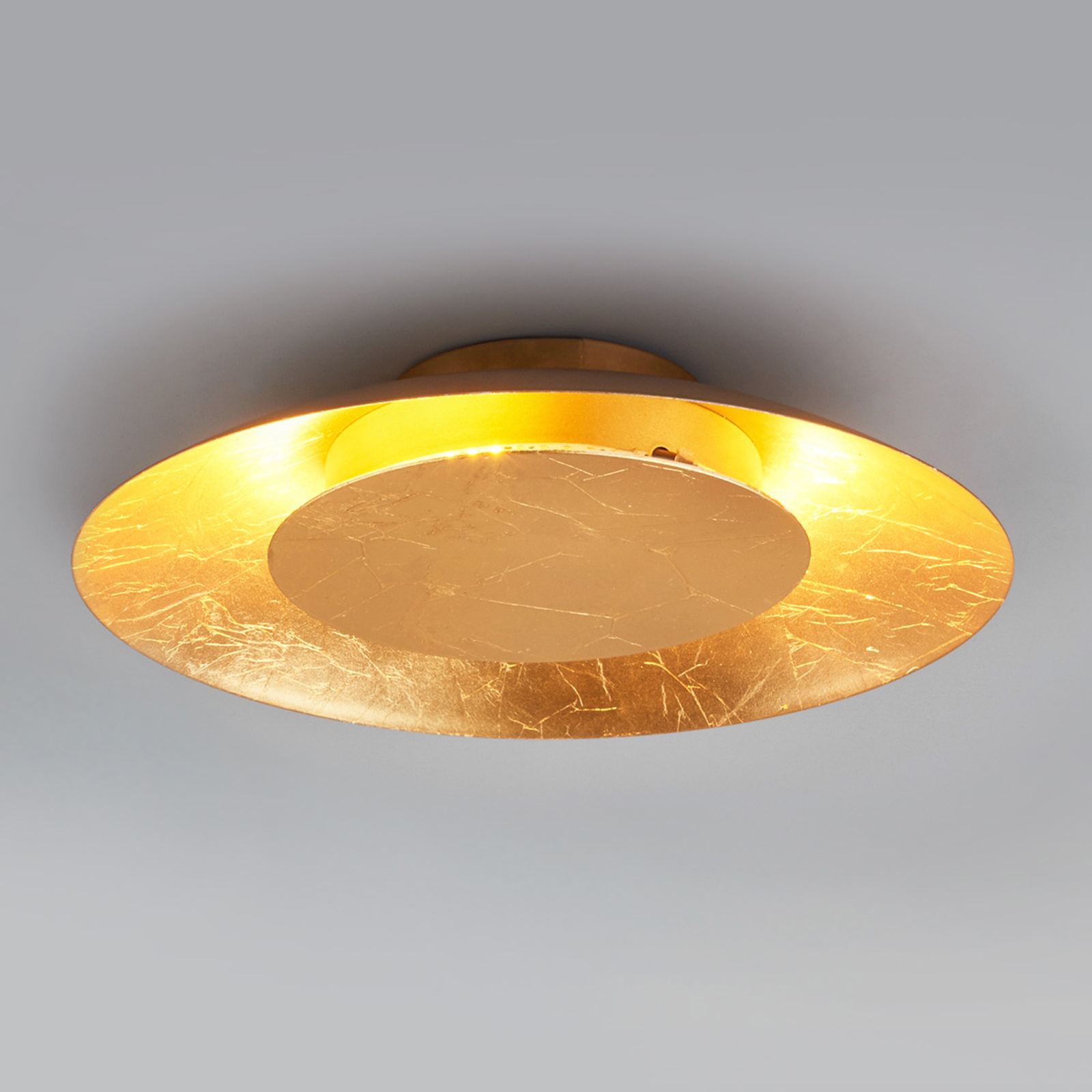 LED-taklampa Keti, guldlook, Ø 34,5 cm