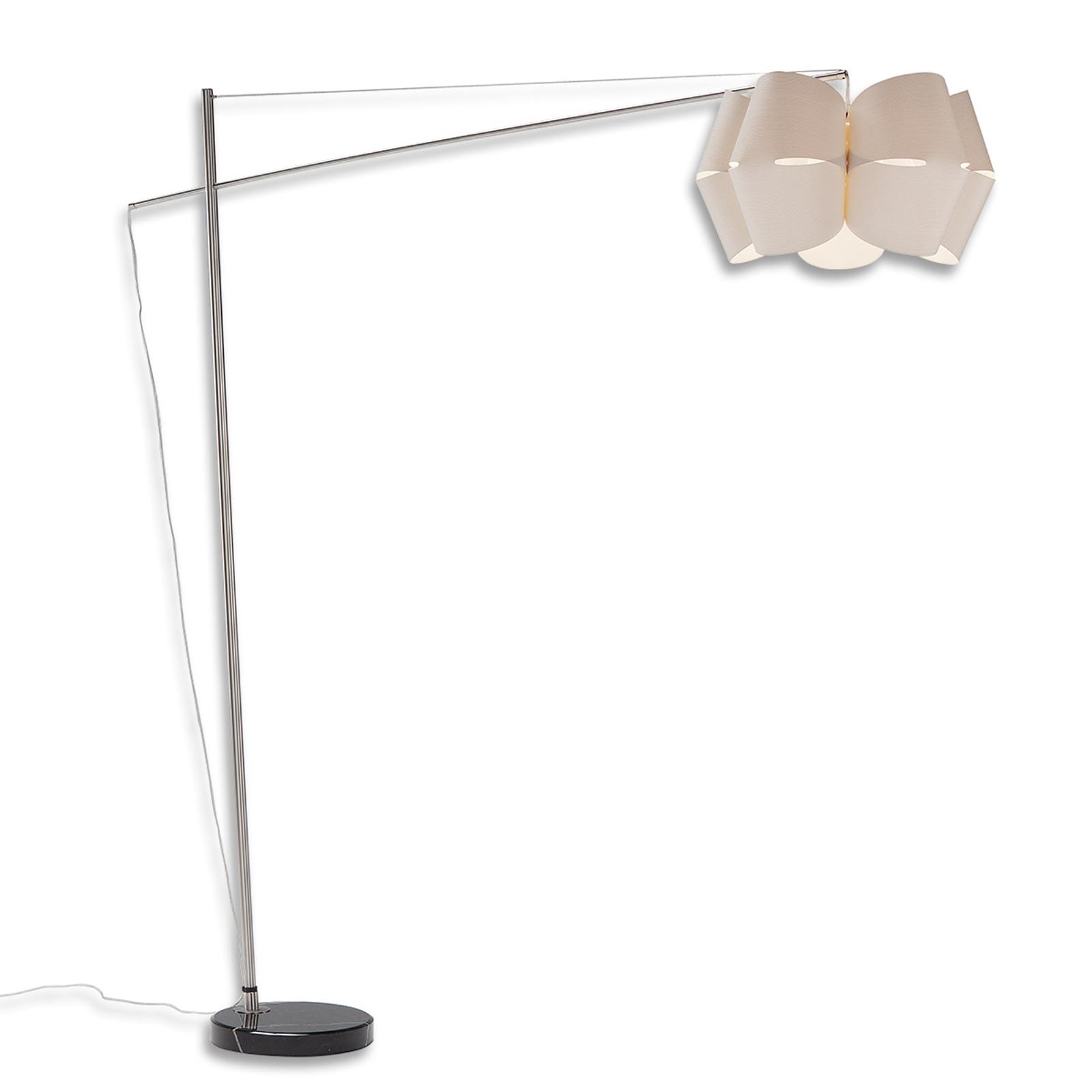 Lámpara de pie Bridge de madera de alerce blanca
