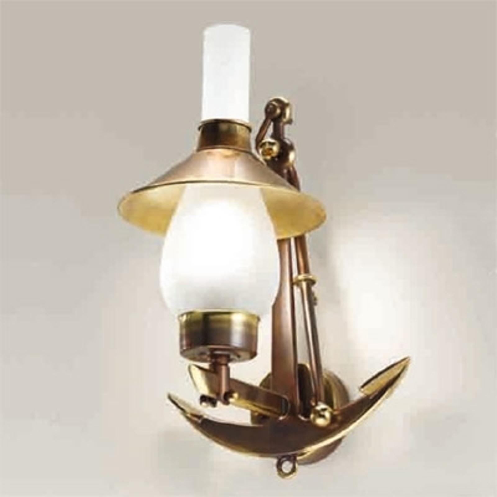 Vägglampa Grecale med ankarhållare
