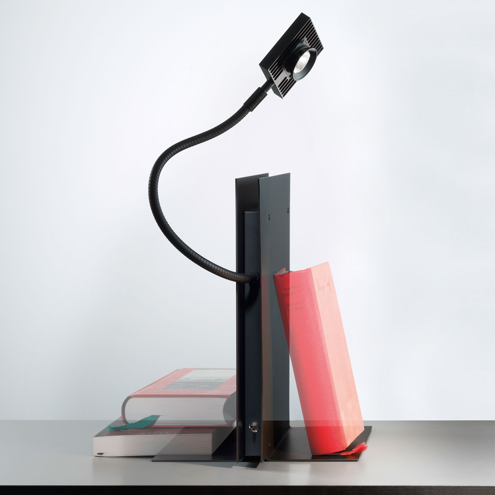 Ingo Maurer LED´s Oskar lampa stołowa czarna