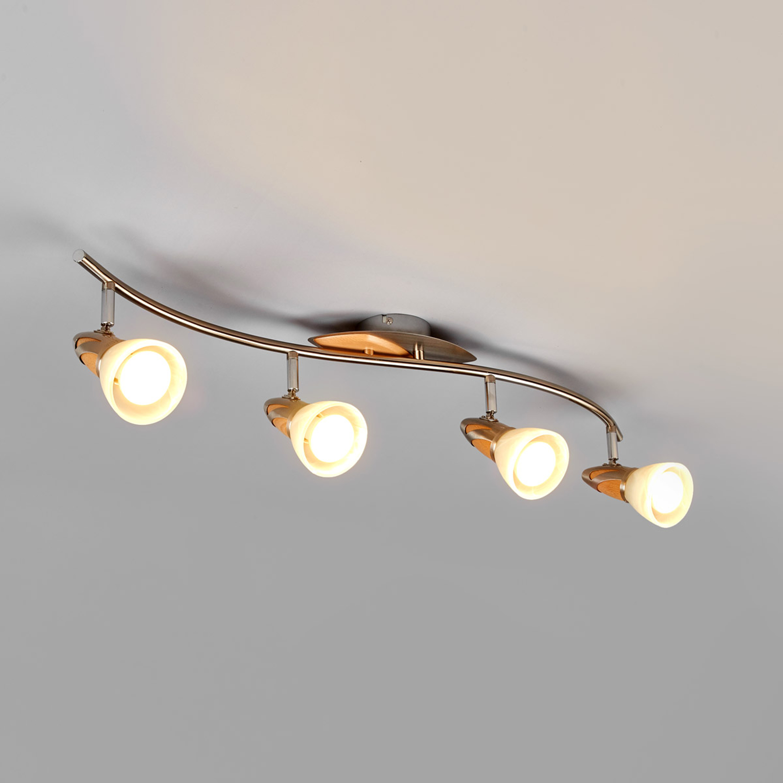 4-flammige Holz-Deckenlampe Marena, E14 LED