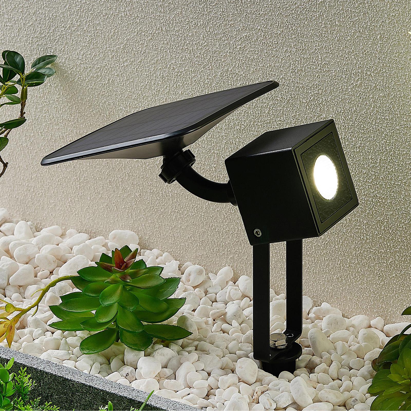 Lindby Kordt LED-solcellelampe, vegg eller bakke