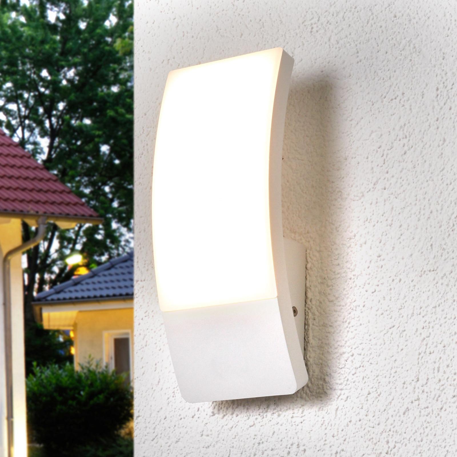 Weiße LED-Außenwandlampe Siara in gewölbter Form