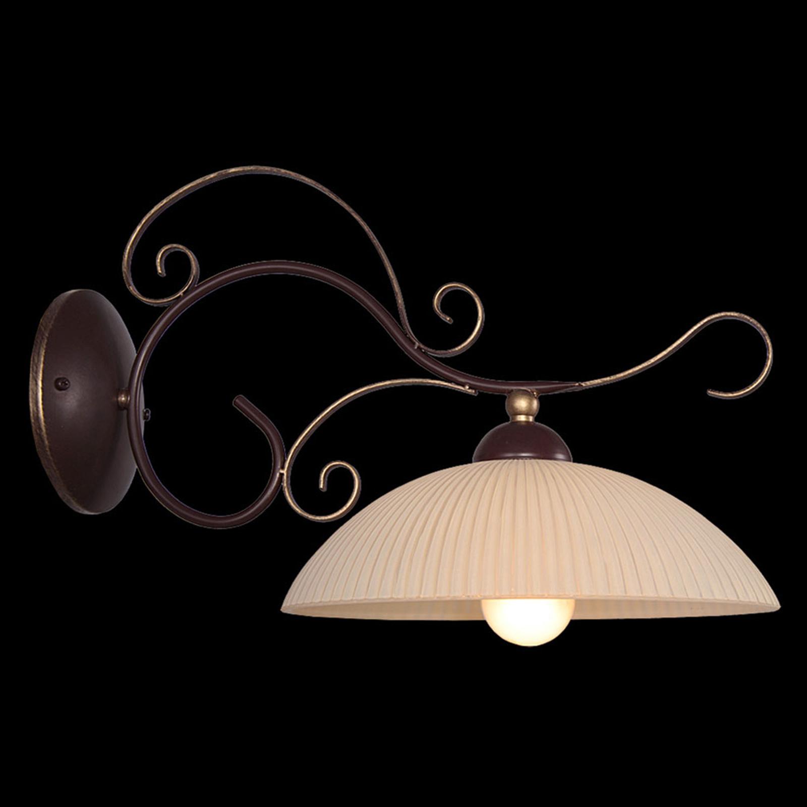 Idella - formsmuk og håndmalet væglampe
