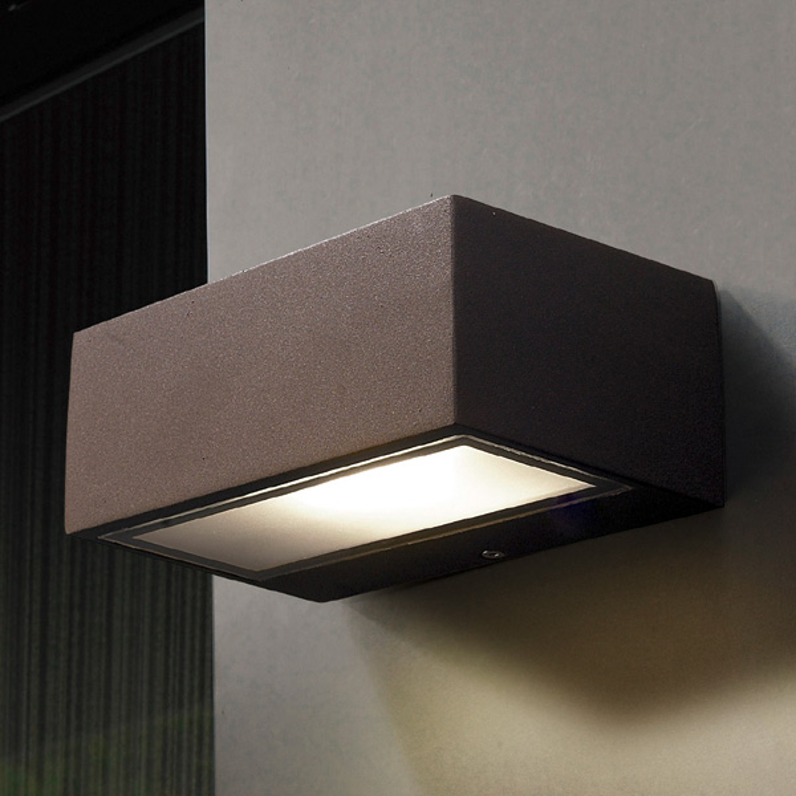 NEMESIS - instelbare buitenwandlamp, bruin