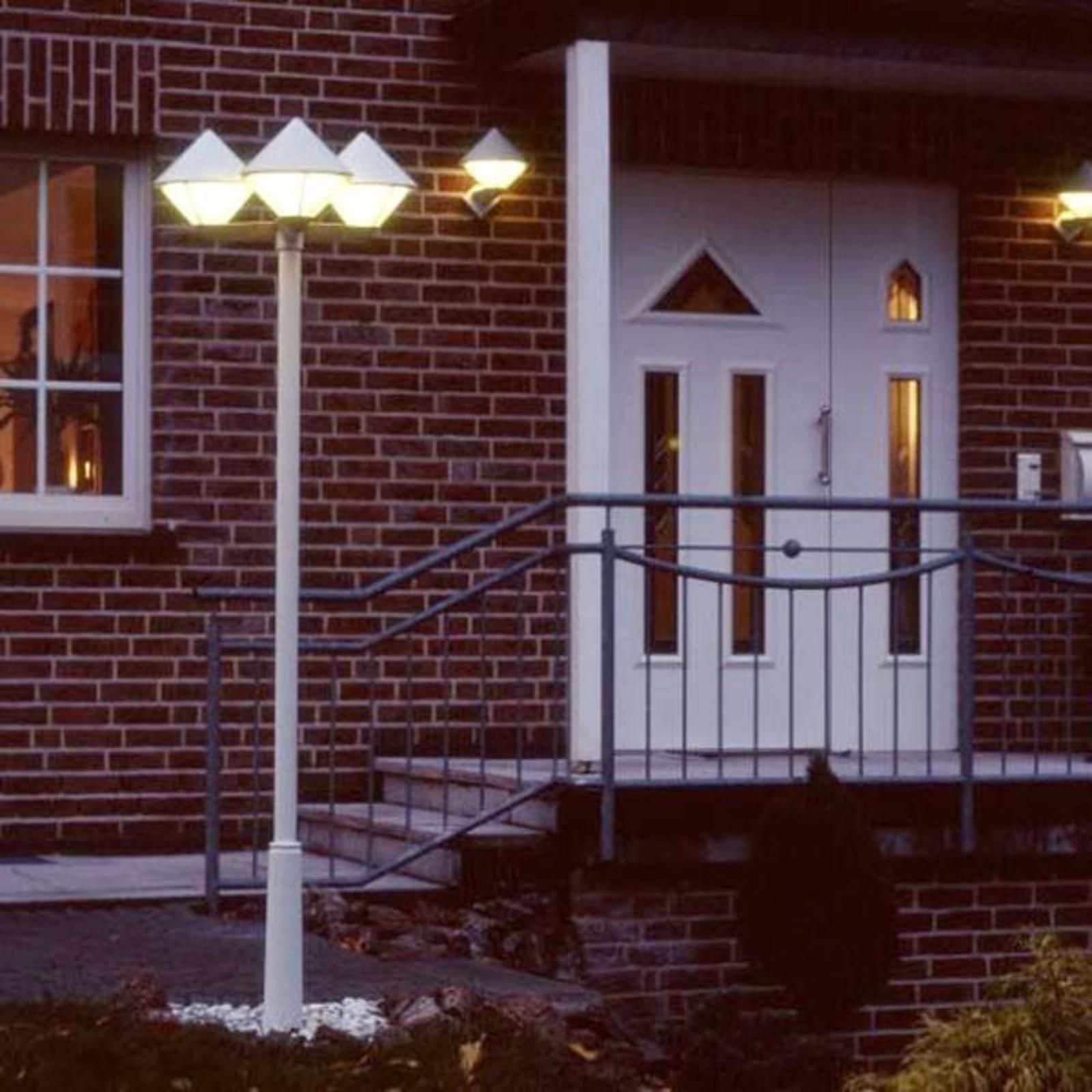 Moderne lantaarnpaal 181 W 3-lichts